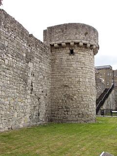 Catchcold Tower, Western Esplanade, 21.6.09,  © I Peckham