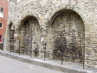 The Arcades, Western Esplanade - detail of first three arcades (working southwards), 21.6.09,  © I Peckham